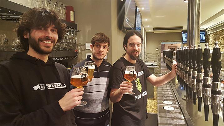 Tres jueces de cerveza certificados por el BJCP en Abirradero, y nuevas convocatorias de exámenes